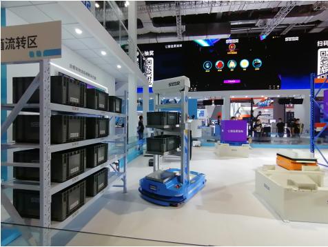 海柔创新与仙工大香蕉网站达成战略合作,携手发布全球首款激光SLAM多层料箱机器人