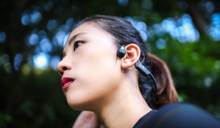 蓝牙耳机哪种好不伤耳朵,骨传导耳机品牌推荐